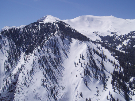Rent equipment for your Snowmass ski vacation from Incline Ski.
